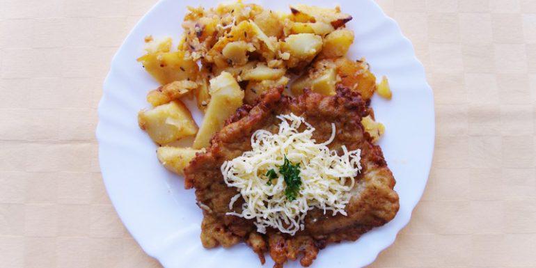 Čiernohorský-rezeň-pečené-zemiaky