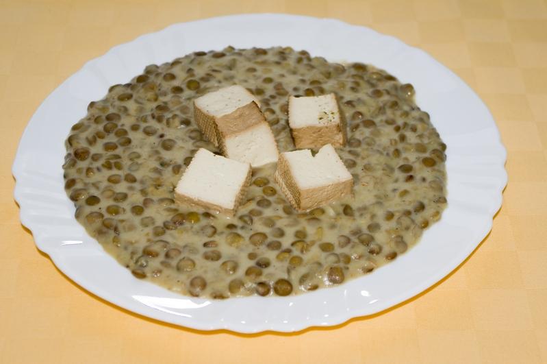 Šosovicový prívarok s tofu kockami