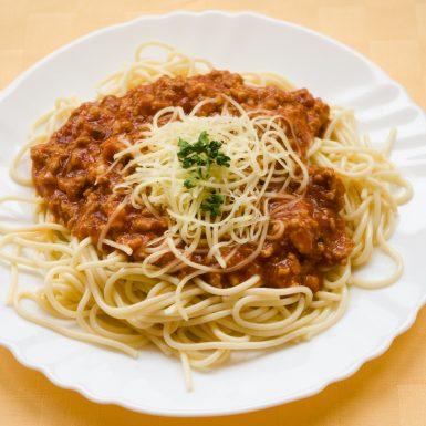 Boloňské-špagety-so-syrom