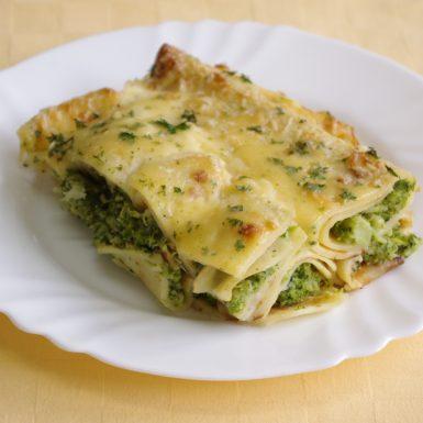 Brokolicové-palacinky-zapečené-s-bešamelom