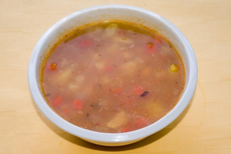 Cícerová polievka so zeleninou a zemiakmi