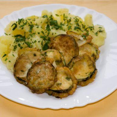 Cuketové-plátky-v-bylinkovom-cestíčku-zemiaky-s-vňaťou