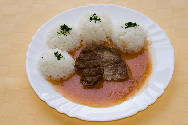 Hovädzí plátok Goody foody na rýnsky spôsob, ryža