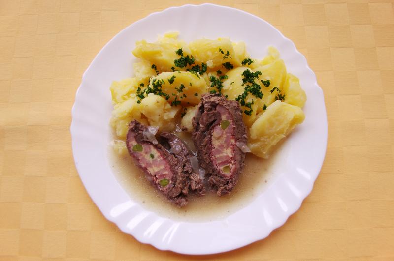 Hovädzí pražský závitok zemiaky s vňaťou