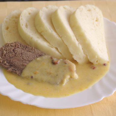 Hovädzia-pečienka-s-ríbezľovou-omáčkouknedľa