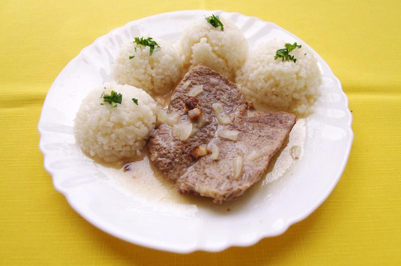 Hovädzia roštenka s horčicovou omáčkou, ryža