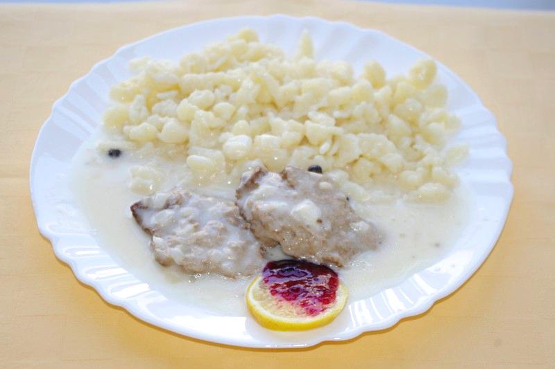 Hovädzí plátok Goody Foody na tatranský spôsob, halušky
