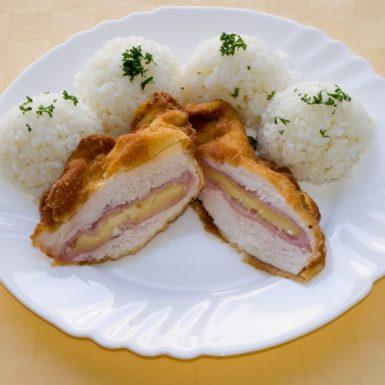Kurací-rezeň-Gordon-bleu-ryža