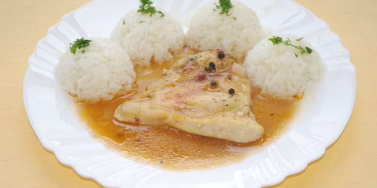 Kurací-steak-na-farebnom-korení-ryža.-kompót