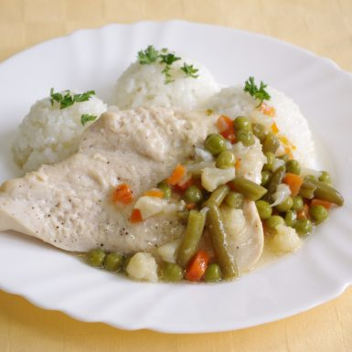 Kurací-steak-na-jarnej-zelenine-s-maslomryža