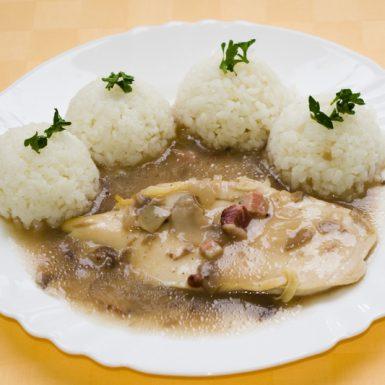 Kuracie-prsia-na-poľovnícky-spôsob-ryža