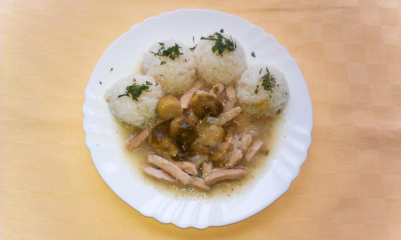 Kuracie rezance Goody foody s ružičkovým kelom, ryža