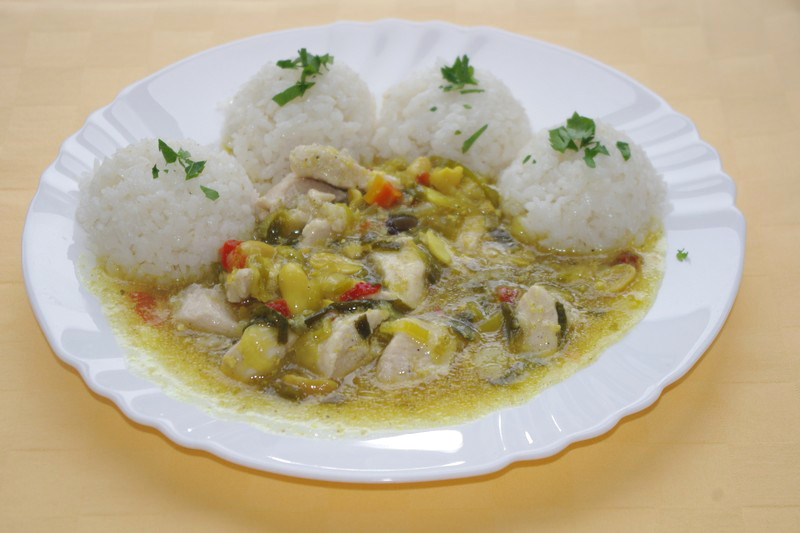 Kuracie prsia Kung-pao, ryža