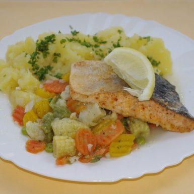 Losos-s-dusenou-zeleninou-zemiaky-s-vňaťou-citrón
