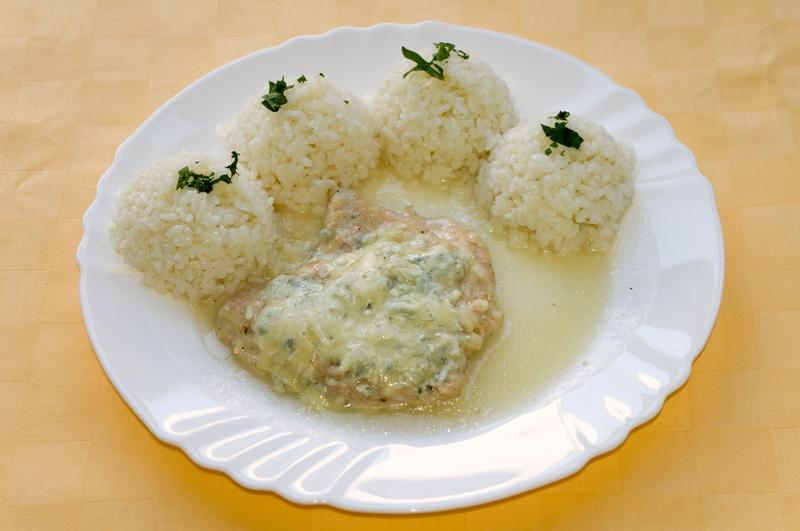 Morčací plátok zapečený s nivou, ryža