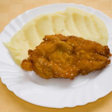 Morčací-rezeň-v-sézamovej-zmesi-zemiaková-kaša
