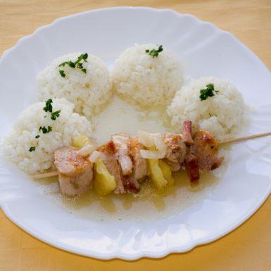 Morčacia-ihla-s-ananásom-a-slanonouryža