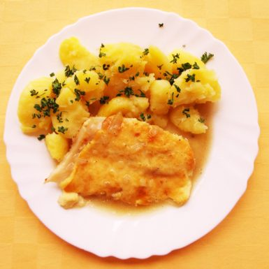 Pangasius-zapečený-s-bešamelom-zemiaky-s-vňaťou