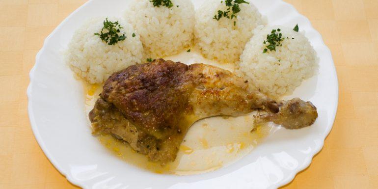 Pečené-kuracie-stehno-s-plnkou-ryža1