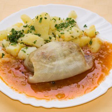 Plnený-kapustový-list-zemiaky-s-vňaťou