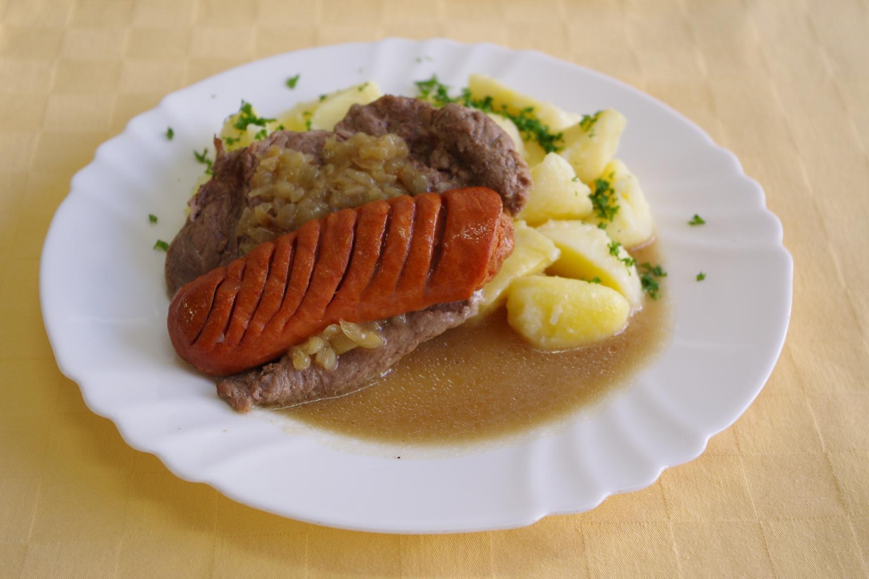 Roštenka na čiernom pive, zemiaky s vňaťou
