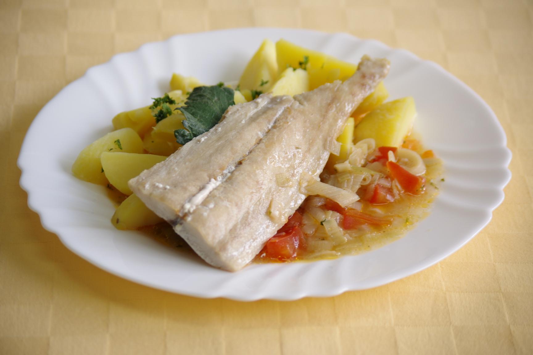 Ryba Mahi-mahi na egyptský spôsob, zemiaky s vňaťou