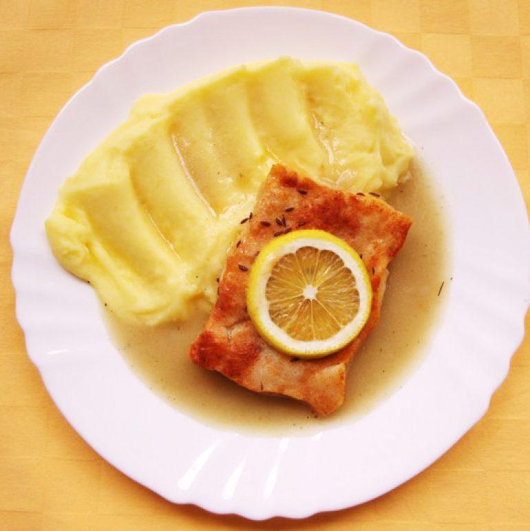 Rybie-filé-pečené-na-masle-zemiaková-kaša