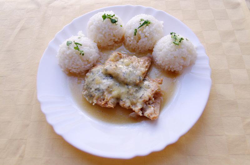 Sójové plátky zapečené so syrom niva, ryža