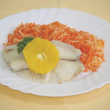 Tilapia-pečená-na-pomarančochstrúhaná-karotka-s-jablkami