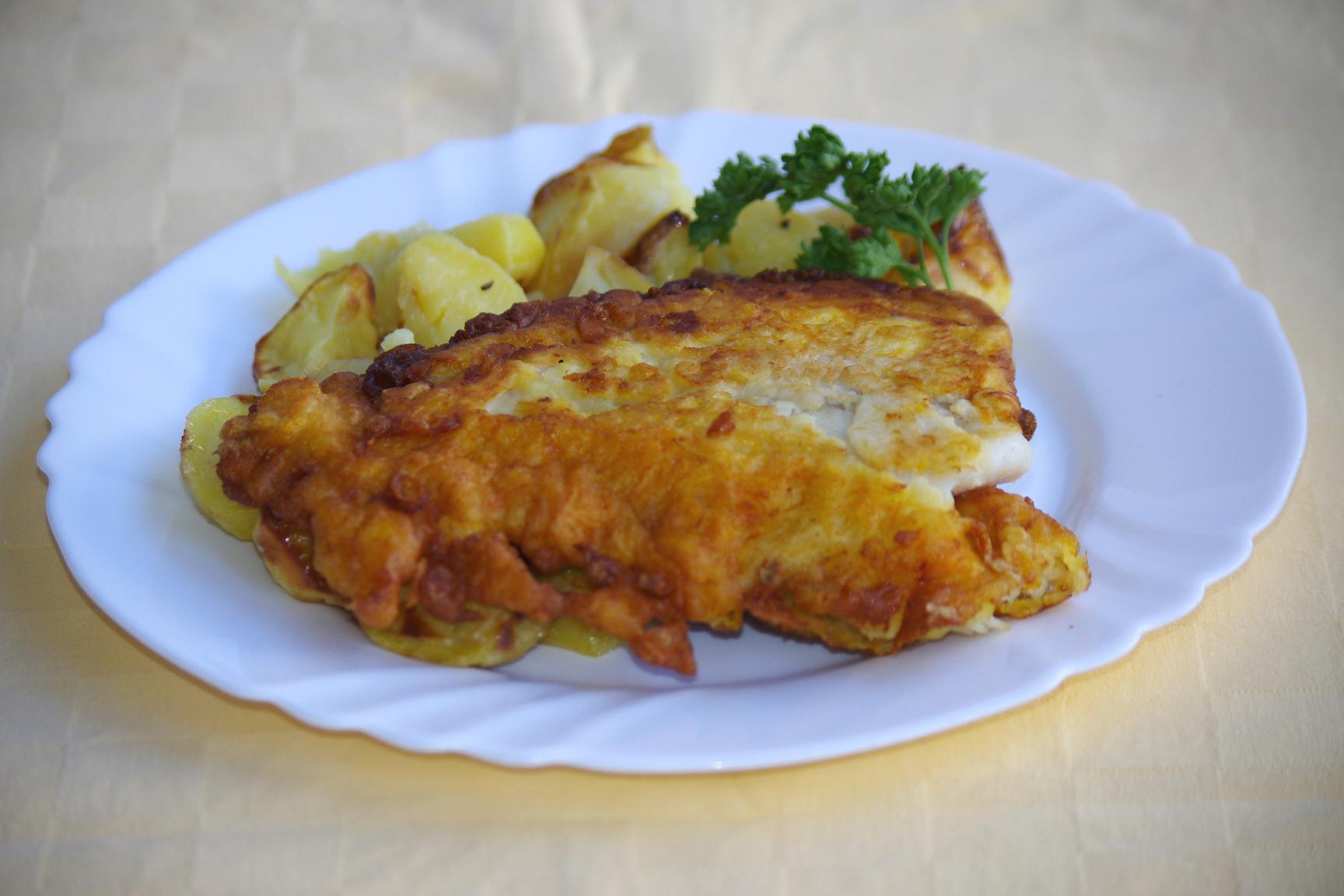 Treska v mrkvovom cestíčku, pečené zemiaky