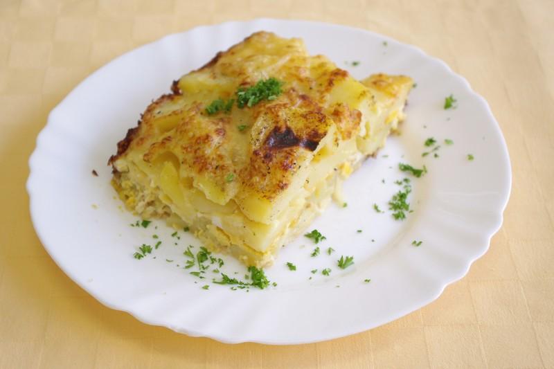 Zapečené zemiaky s vajíčkom a smotanou