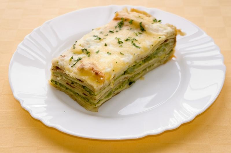 Zapekané brokolicové palacinky so syrom.